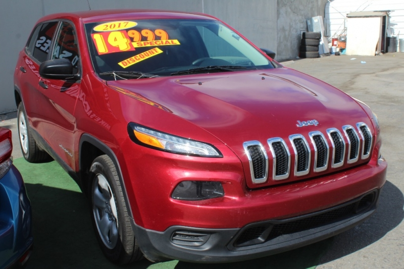 Jeep Cherokee 2017 price $13,999