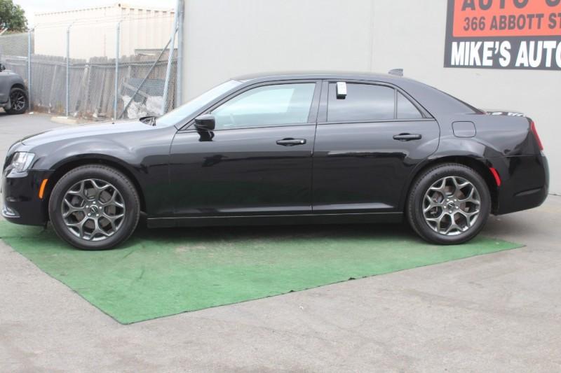 Chrysler 300 2018 price $23,999