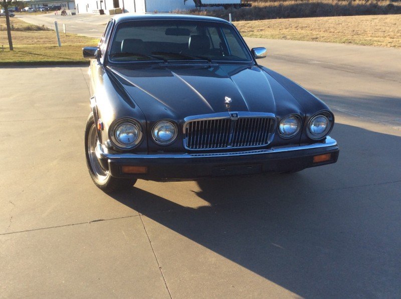 Jaguar XJ 1985 price $6,000