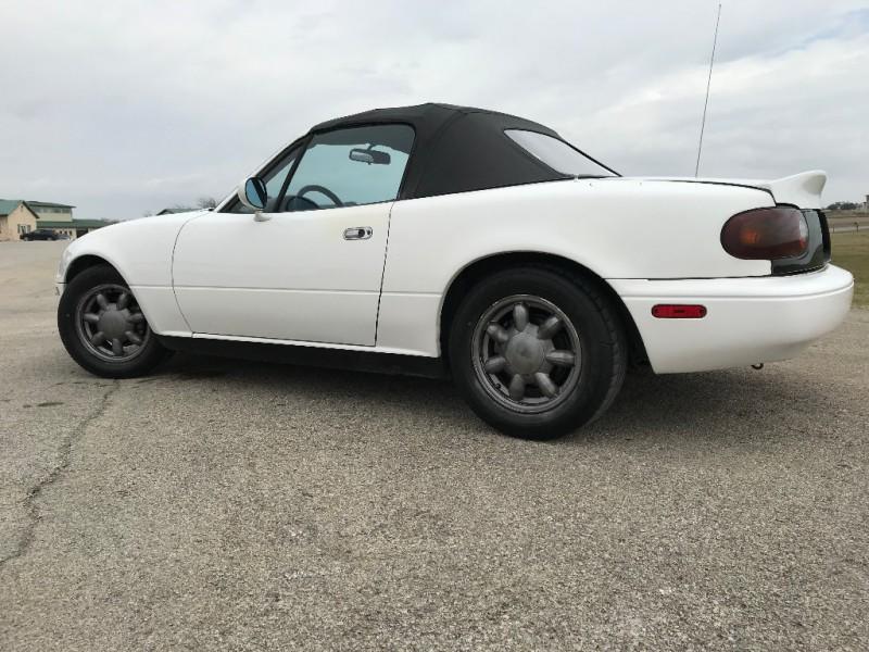 Mazda MX-5 Miata 1990 price $3,300