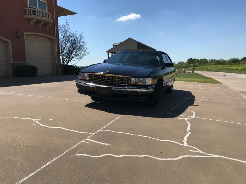 Cadillac Deville 1995 price $3,250