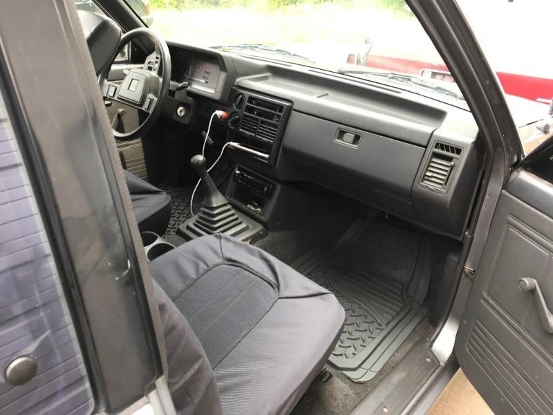Mazda B2200/B2600i Pickup 2WD 1990 price $2,600