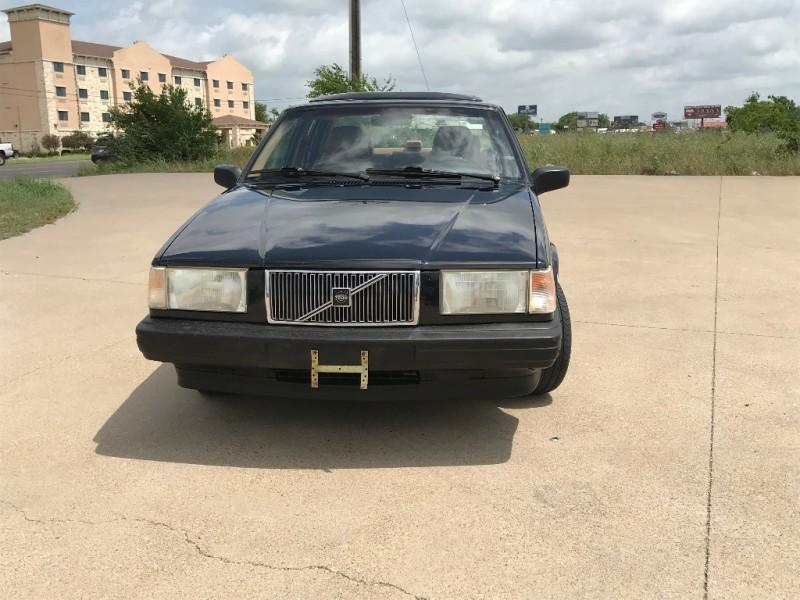 Volvo 940 1993 price $3,750
