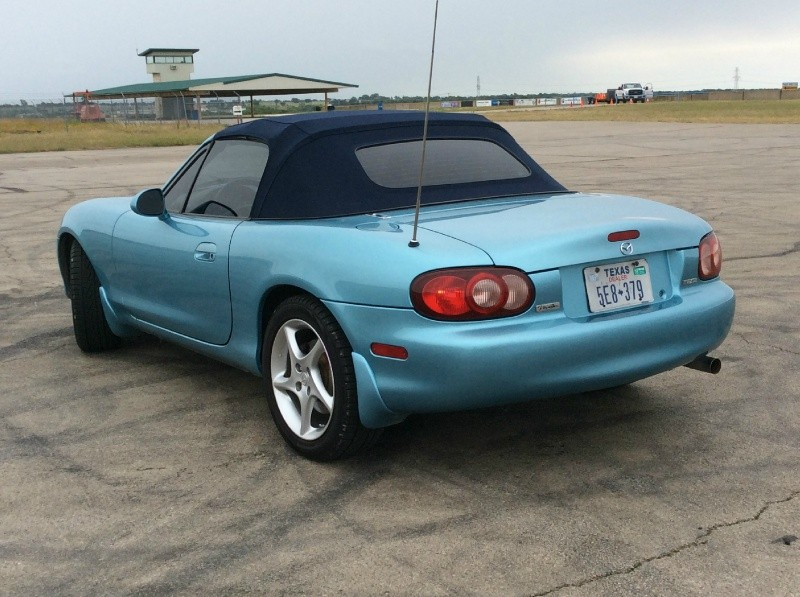 Mazda MX-5 Miata LS 6-Speed 2001 price $5,650