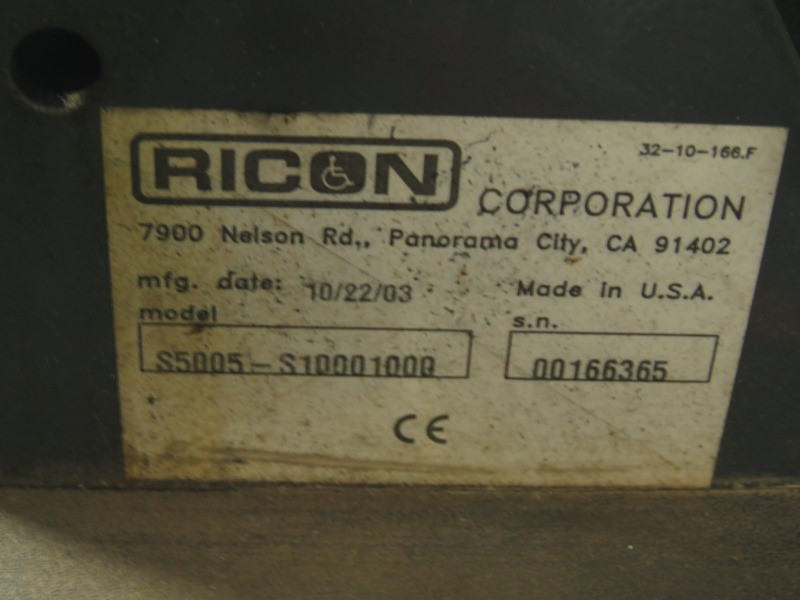 International 3200 2004 price $15,950