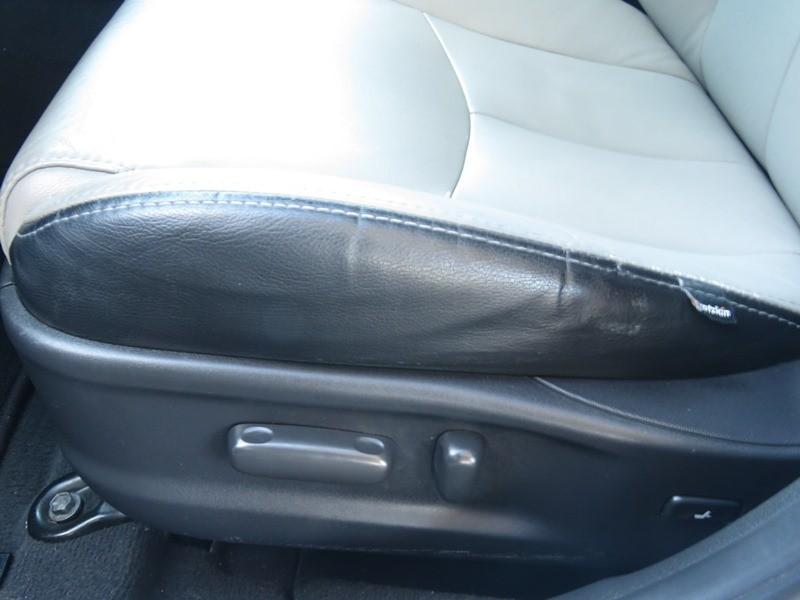 Toyota Camry 2011 price $9,950