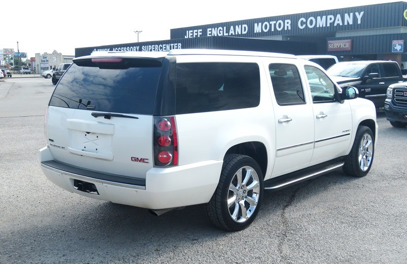 GMC Yukon XL 2010 price $21,950