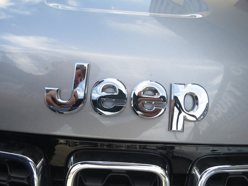 Jeep Grand Cherokee 2018 price $31,950