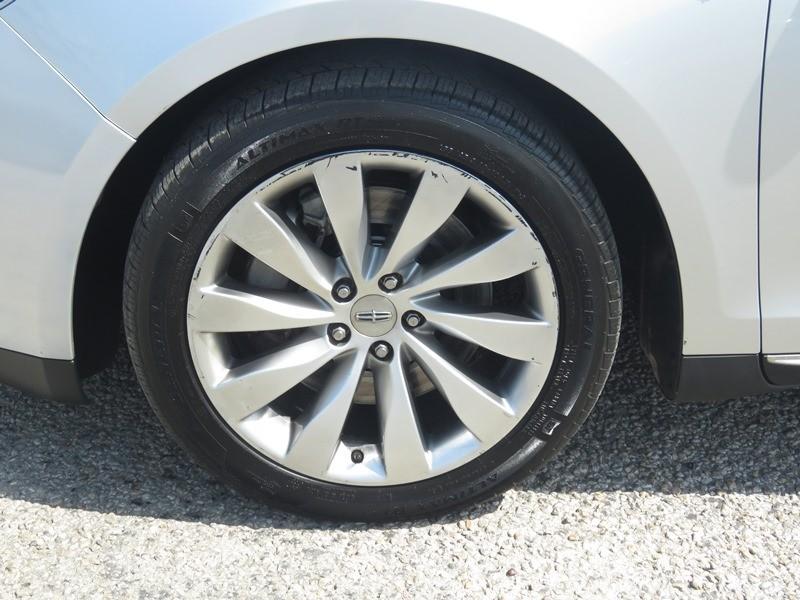 Lincoln MKS 2015 price $11,950