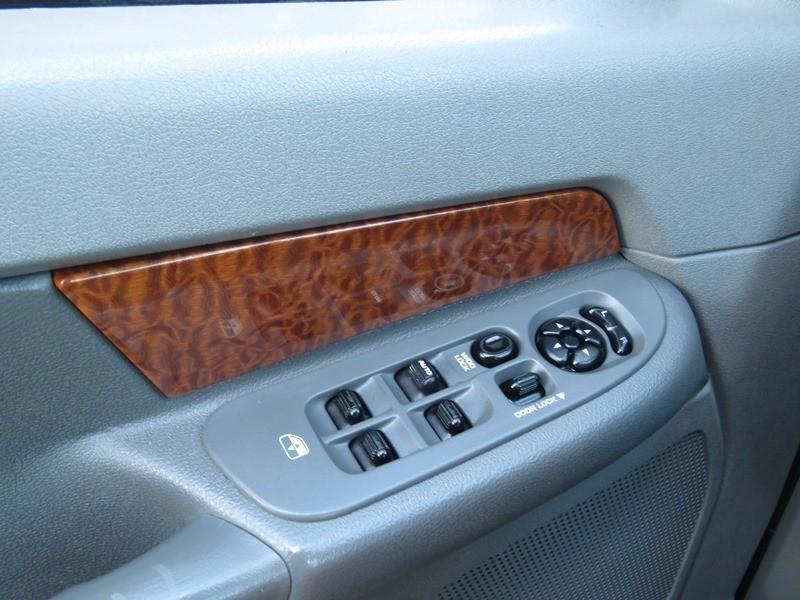 Dodge Ram 2500 2006 price $25,950
