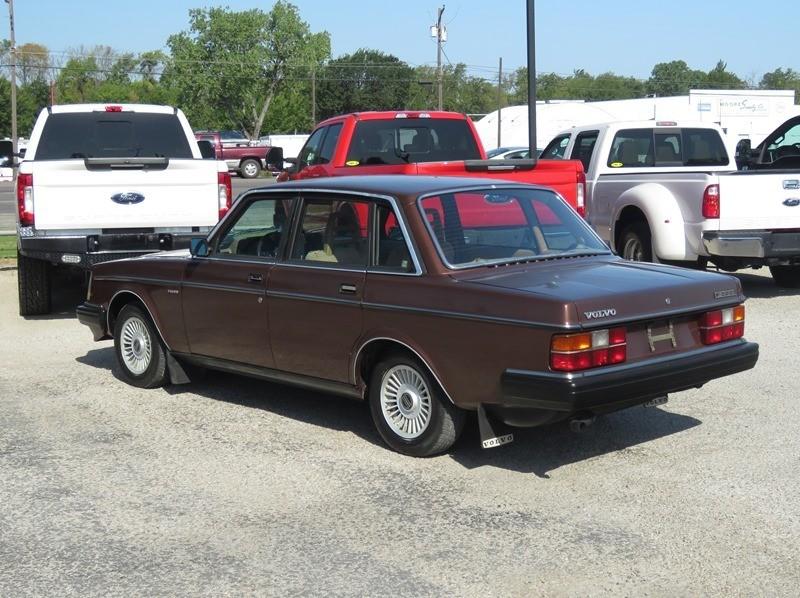 Volvo GL 1984 price $4,950