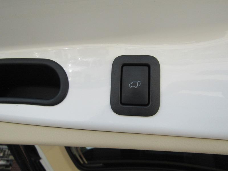 Toyota Highlander 2015 price $24,950