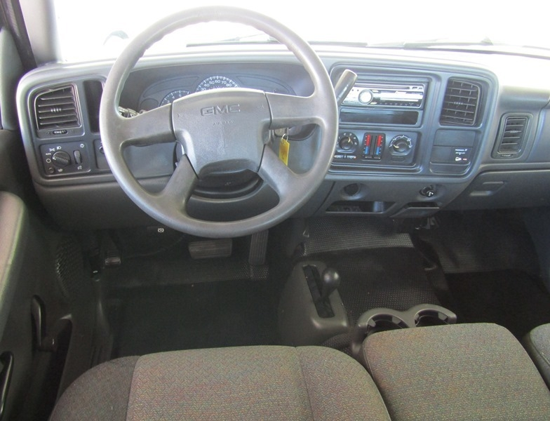 GMC Sierra 2500HD 2005 price $11,950