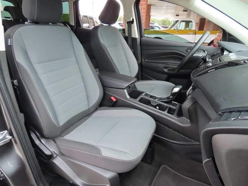 Ford Escape 2018 price $15,950