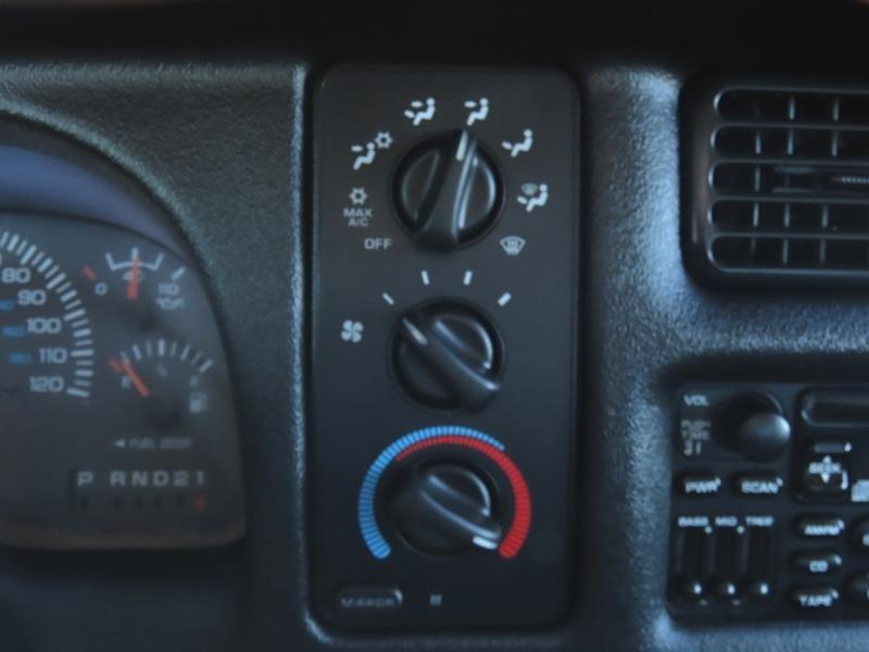 Dodge Ram 2500 2001 price $12,950