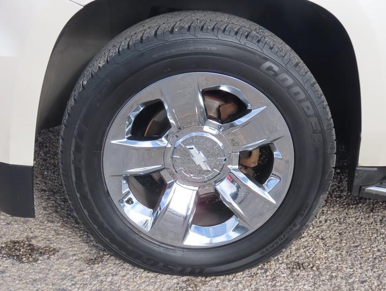 Chevrolet Suburban 2015 price $29,950
