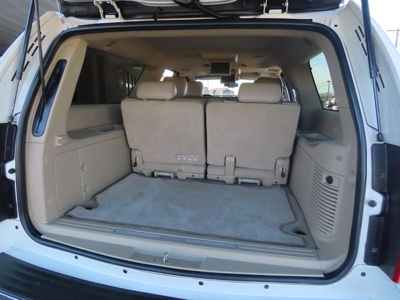 Cadillac Escalade ESV 2011 price $17,950