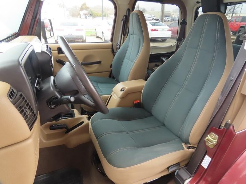 Jeep Wrangler 2002 price $10,950