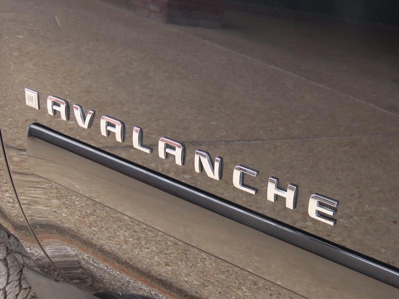 Chevrolet Avalanche 2009 price $10,950