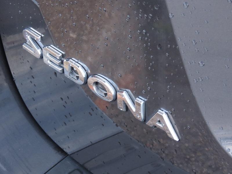 Kia Sedona 2017 price $16,950