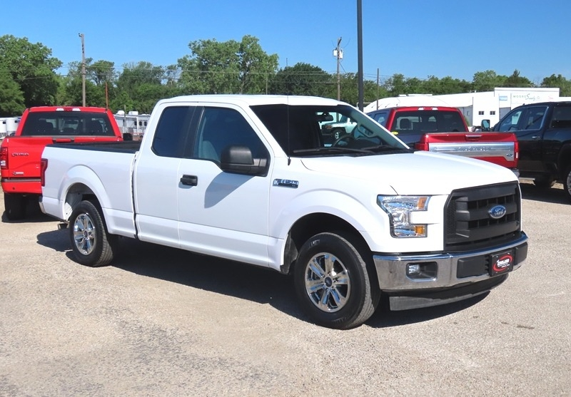 Ford F-150 2017 price $18,950