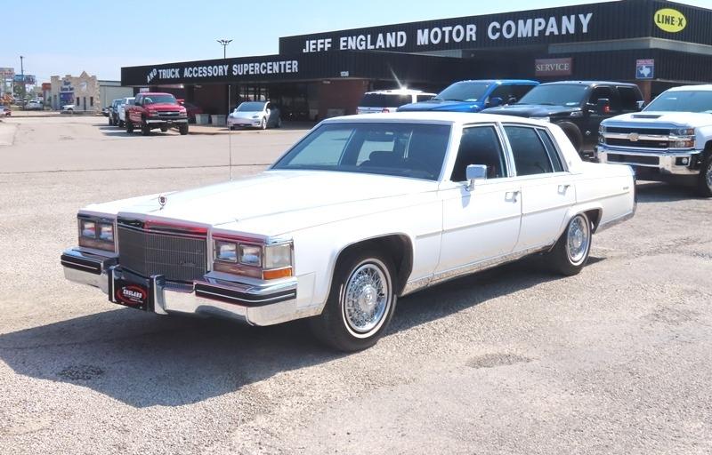 Cadillac Fleetwood 1985 price $10,950