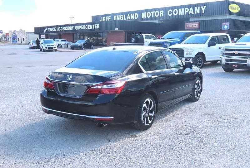 Honda Accord Sedan 2017 price $18,950