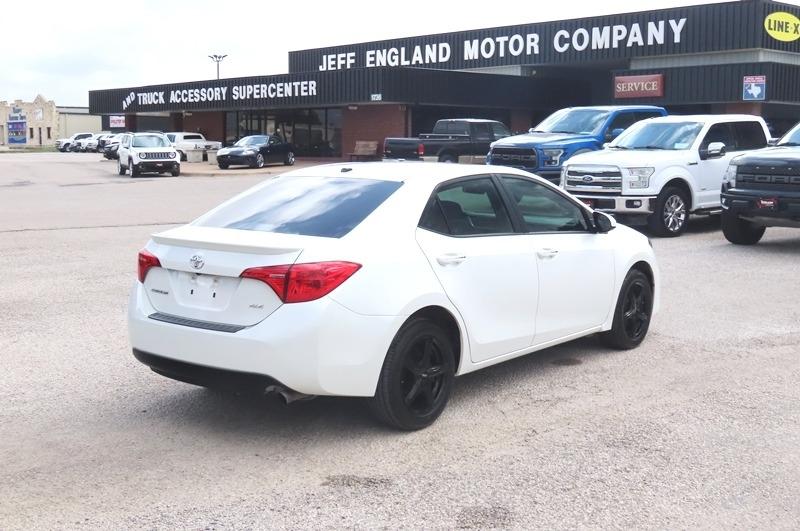 Toyota Corolla 2018 price $15,950