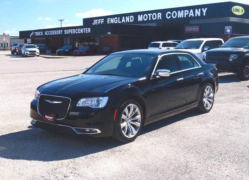 Chrysler 300 2019 price $23,950