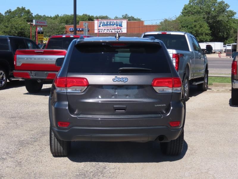 Jeep Grand Cherokee 2017 price $20,950