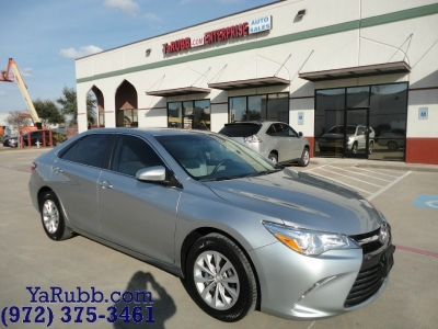 Toyota Camry LE 1 Owner Backup Camera 2015