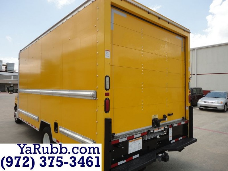 Ford Econoline 16 Foot Box Truck with Ramp Extra Clean 2015 price $13,990