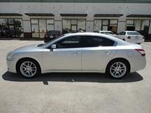Nissan Maxima 2010 price $5,500
