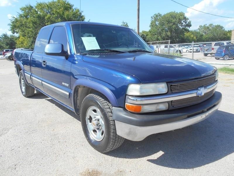 "2000 Chevrolet Silverado 1500 4dr Ext Cab 143.5\"" WB LS ..."