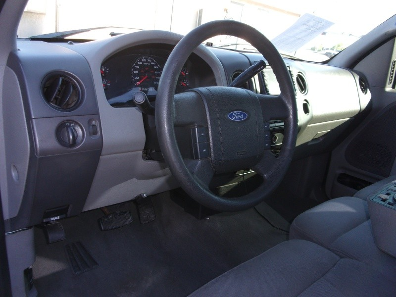 Ford F-150 2004 price $10,995