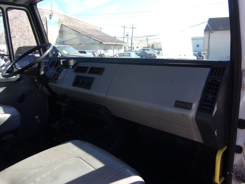 Freightliner FL60 SEMI 1997 price $13,995