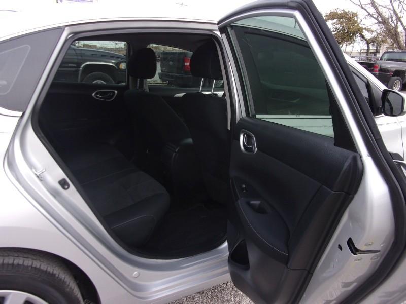 Nissan Sentra 2015 price $13,995