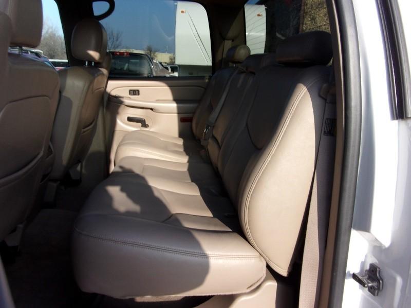 GMC Sierra 2500HD 2004 price $14,995
