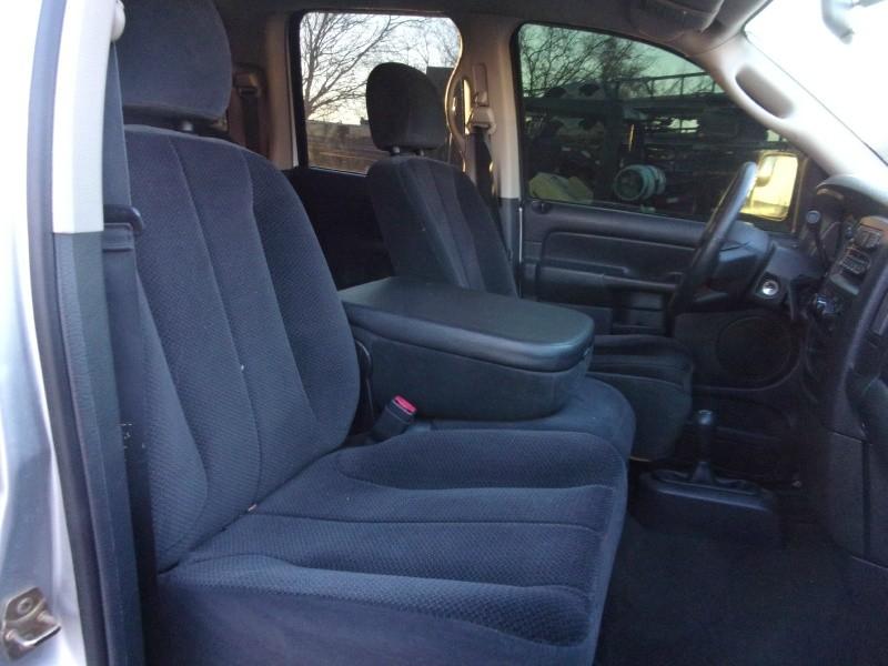 Dodge Ram 3500 2005 price $31,995