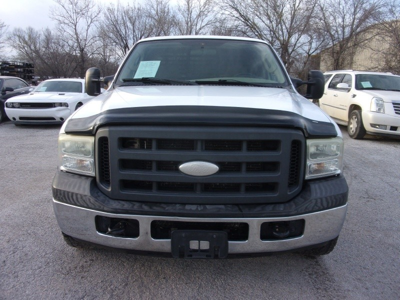 Ford Super Duty F-250 2005 price $10,995