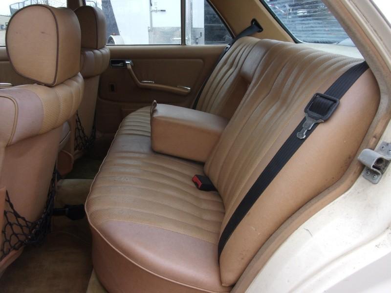 Mercedes-Benz 240D 1983 price $3,995