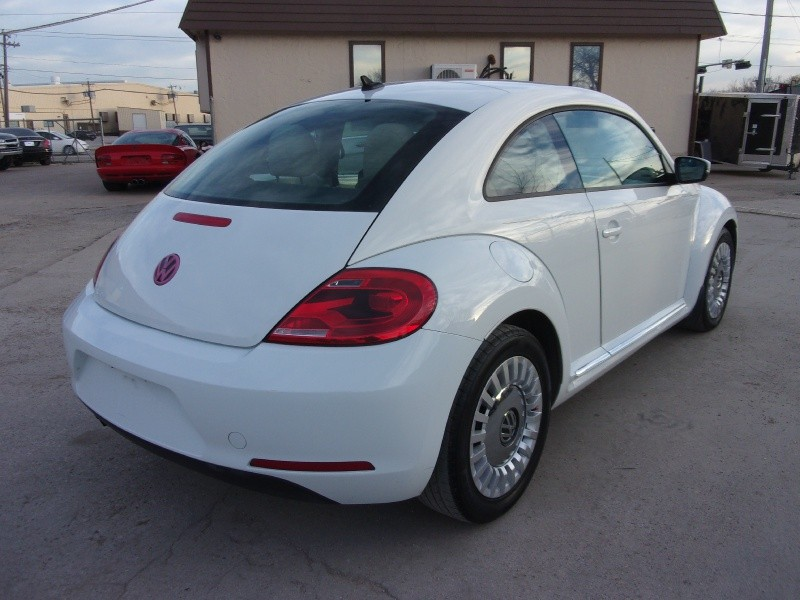 Volkswagen Beetle Coupe 2014 price $11,995