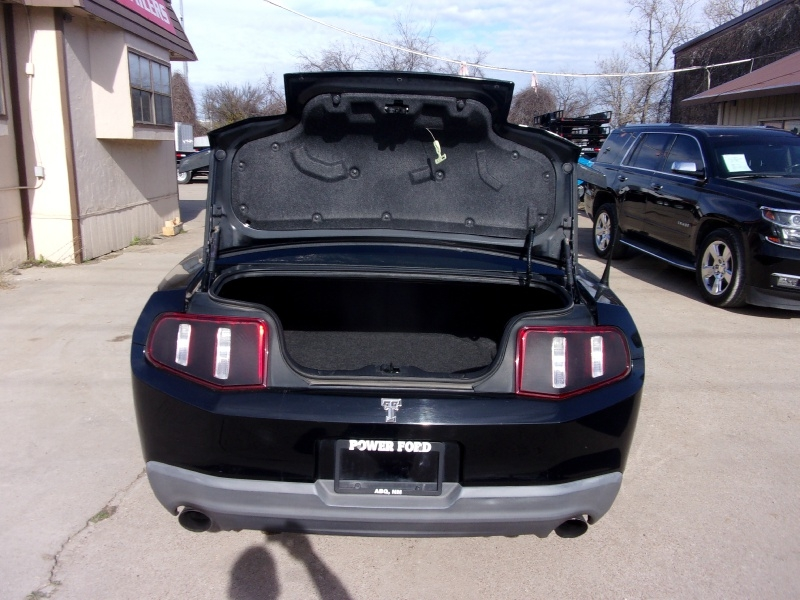 Ford Mustang 2010 price $18,995