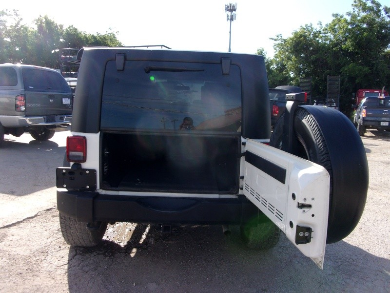 Jeep Wrangler Unlimited X HARD TOP AUTOMATIC 2009 price $18,995