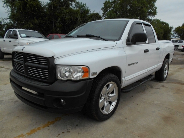 2005 Dodge Ram 1500 SUPER CLEAN