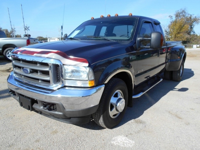 "2003 Ford Super Duty F-350 DRW Supercab 158"" LARIAT ..."
