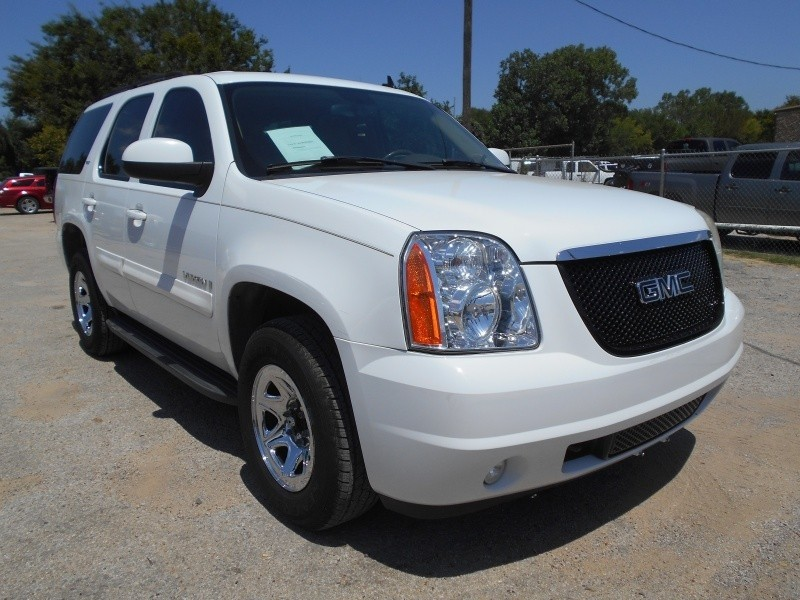 GMC Yukon SLE 2007 price $12,995