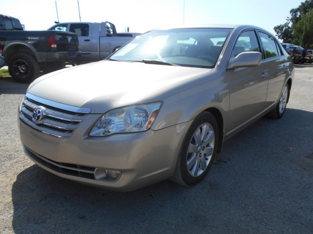 2006 Toyota Avalon XLS LOADED LEATHER AND MORE