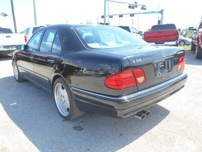 Mercedes-Benz E500 1999 price $8,995