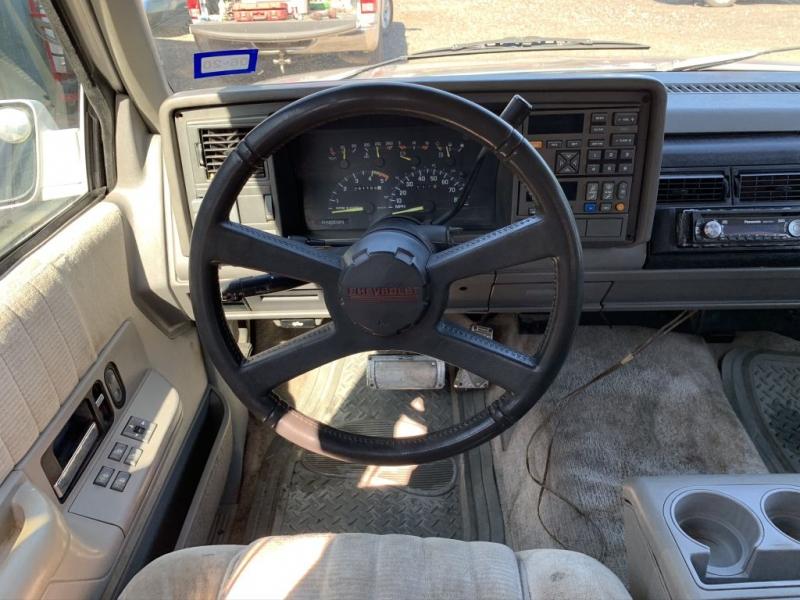 CHEVROLET SUBURBAN 1993 price $2,500